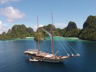 raja ampat sailing yacht at anchor